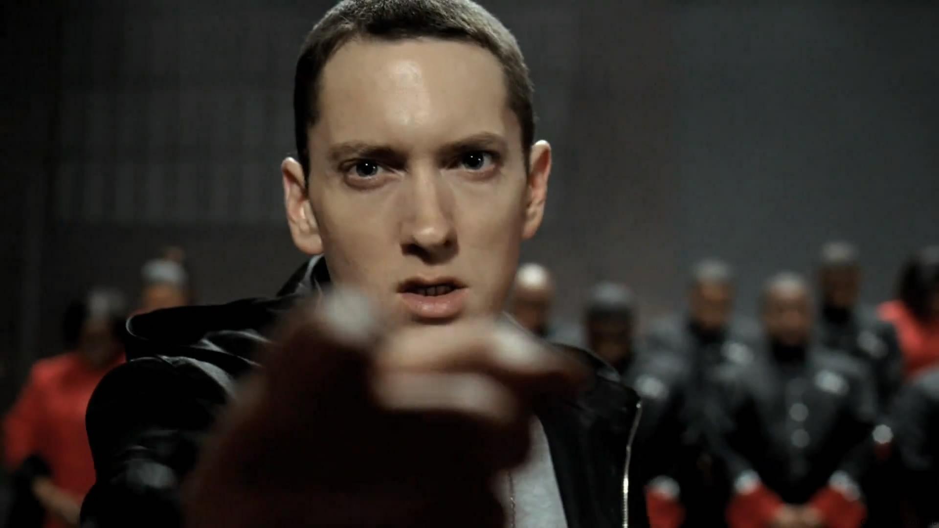 Eminem dating joka 2013